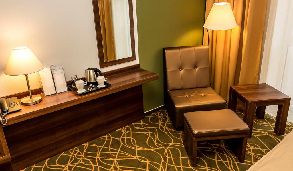 Deluxe Double or Twin Room 2-min