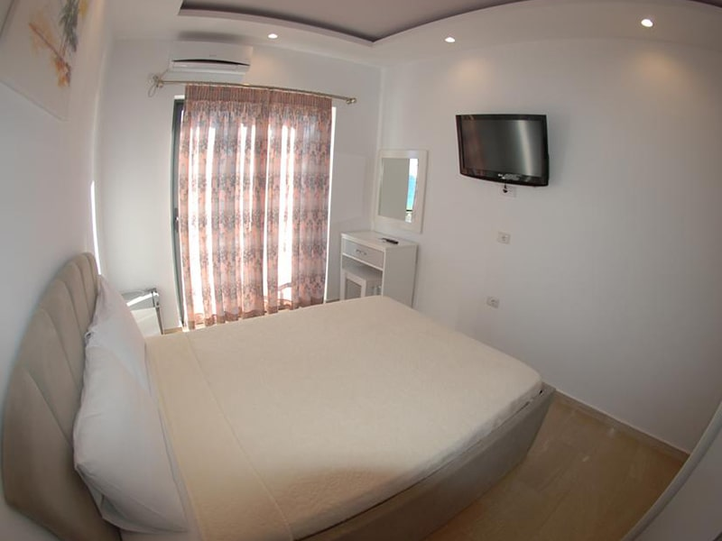Deluxe Suite with Sea View 2-min