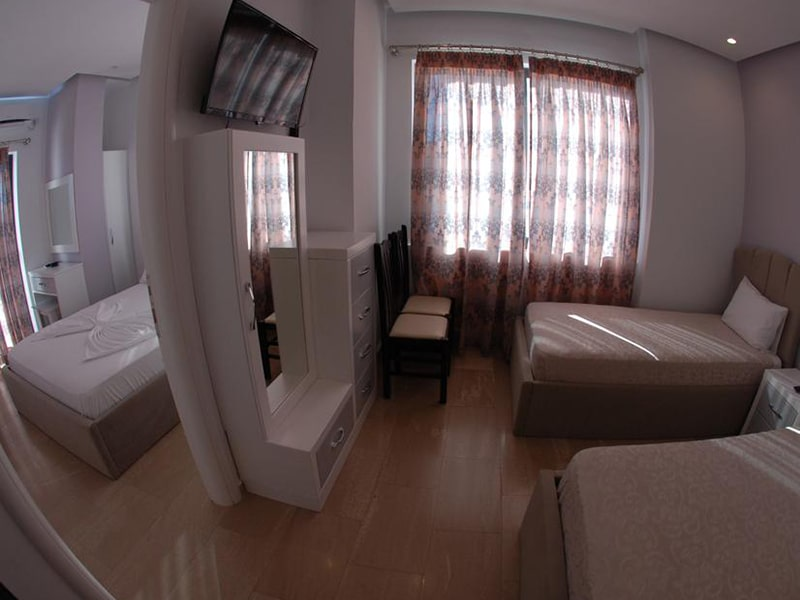 Deluxe Suite with Sea View 3-min