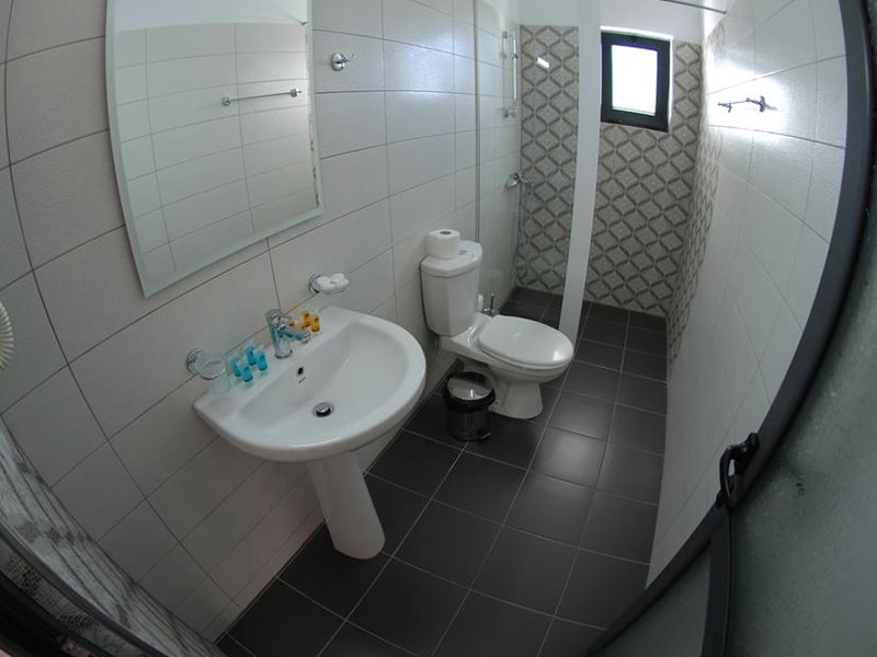 Deluxe Suite with Sea View 4-min