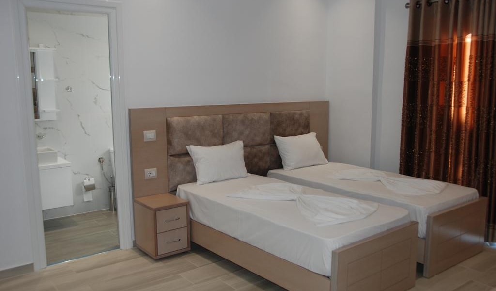 Deluxe Triple Room with Sea View 2-min