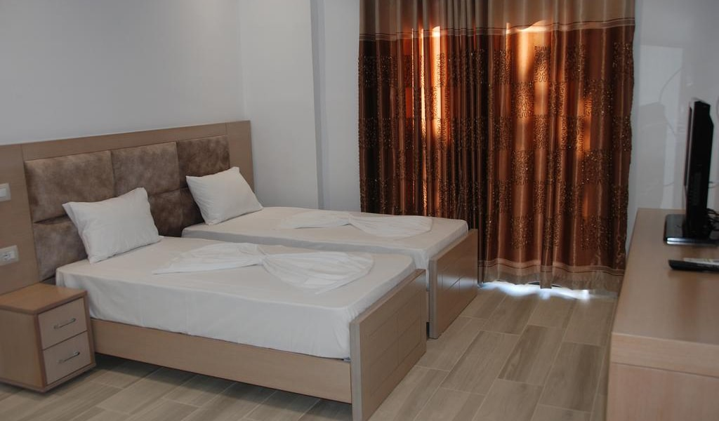 Deluxe Triple Room with Sea View 3-min