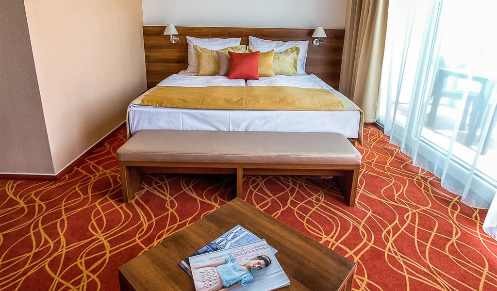 Double or Twin Room with Terrace2-min