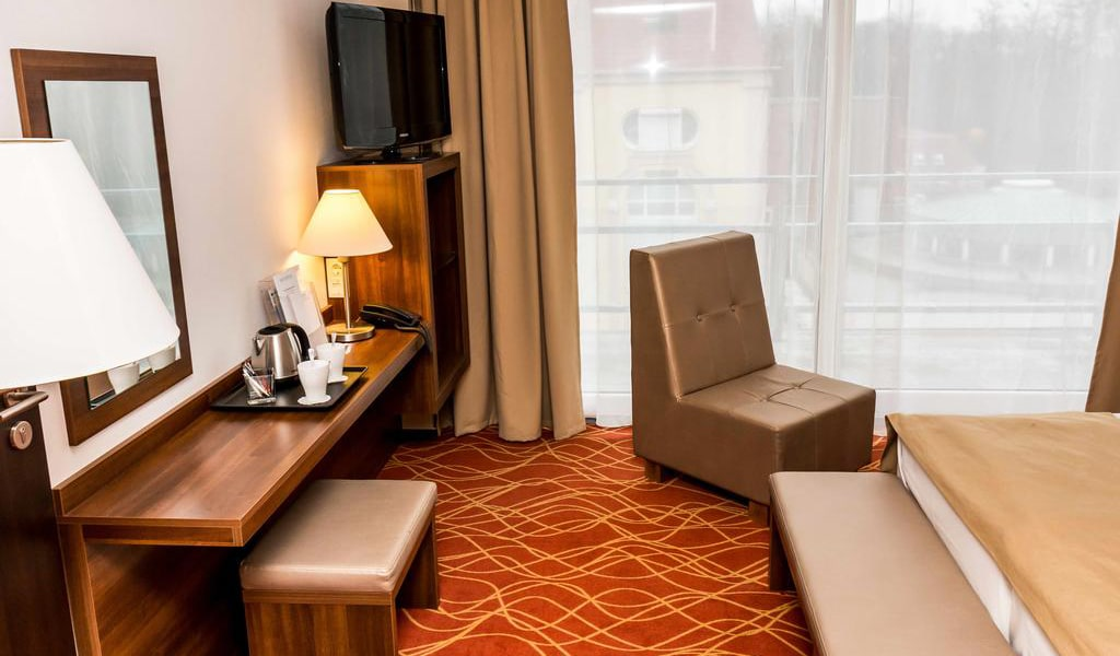 Double or Twin Room with Terrace5-min