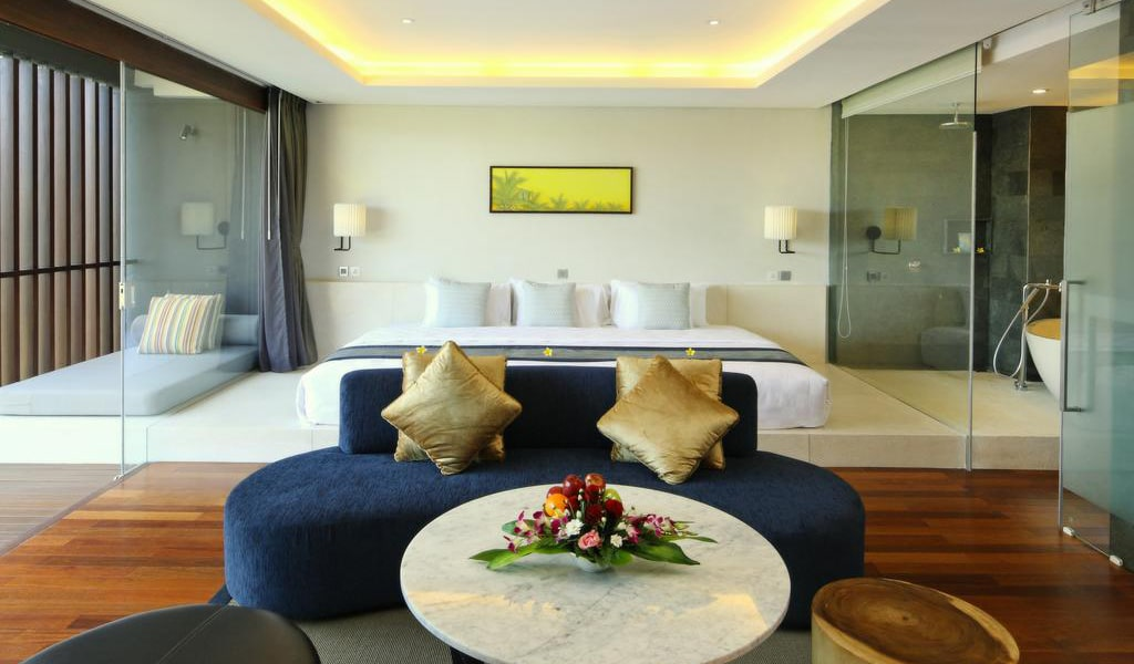 Family Suite (6 Adults) 2-min