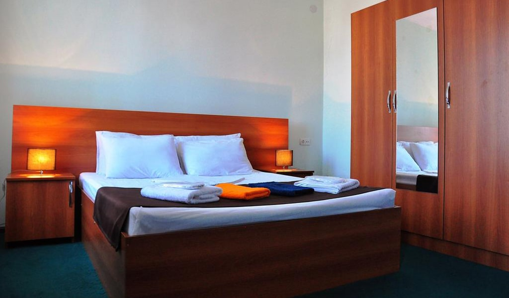 Hotel Reness (2)