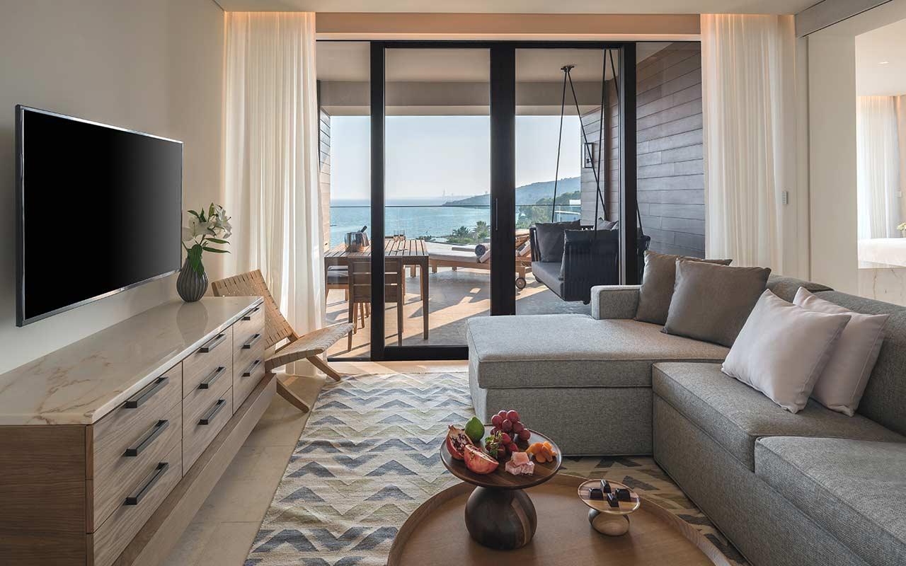 Junior-Suite-Living-Room