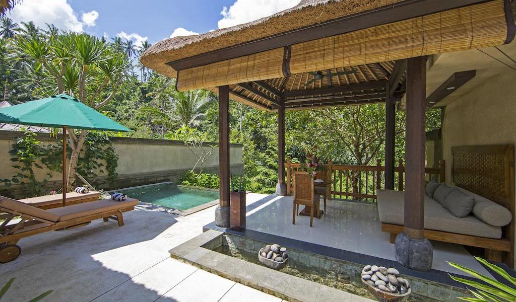 Luxury Villa with Private Pool 10-min