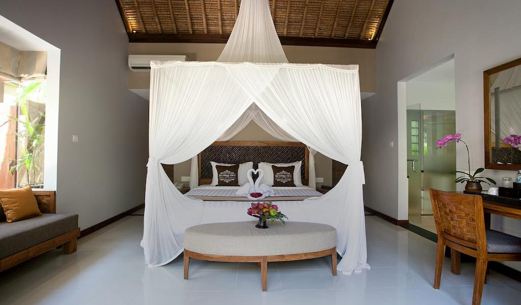 Luxury Villa with Private Pool 11-min