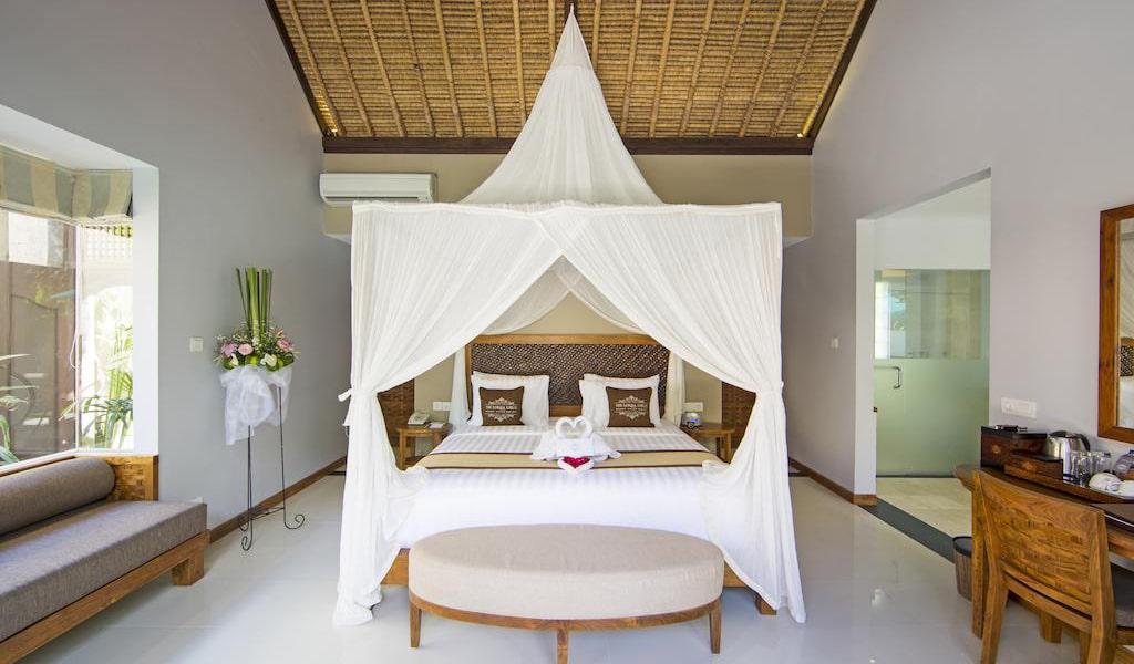Luxury Villa with Private Pool 6-min