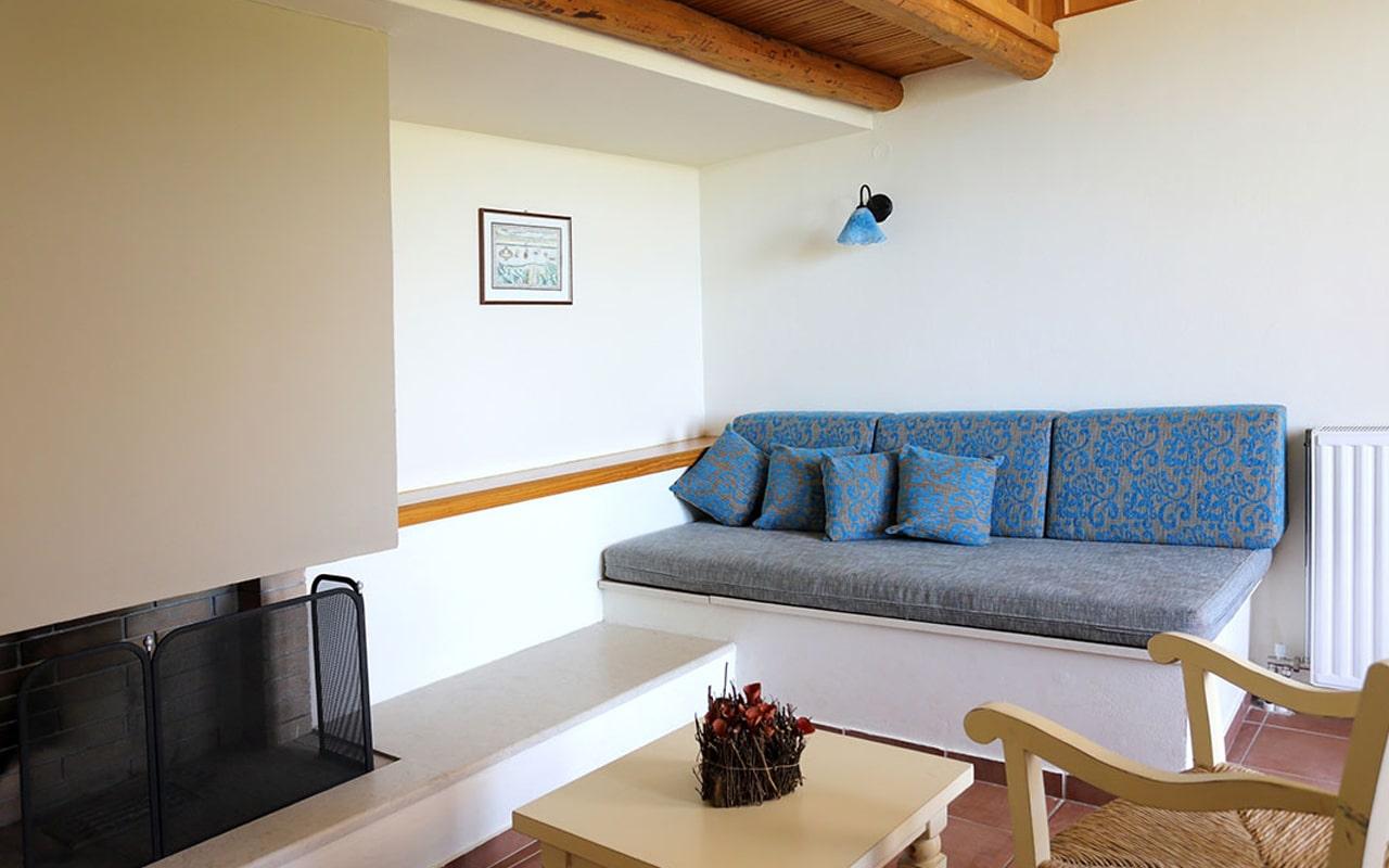Mourtzanakis Residence by CHC (1)