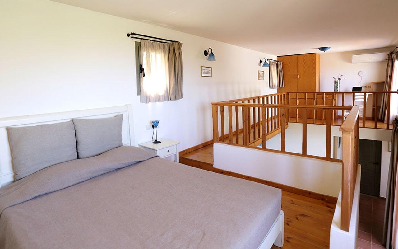 Mourtzanakis Residence by CHC (8)