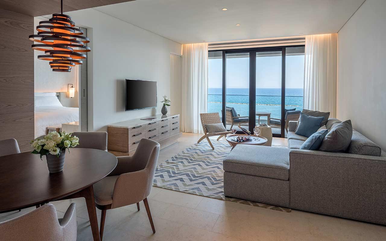 One-Bedroom-Deluxe-Suite