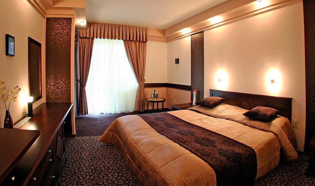 Premium Double or Twin Room 4-min