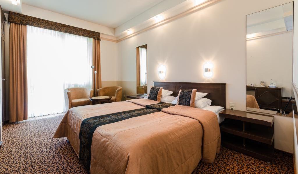 Premium Double or Twin Room -min