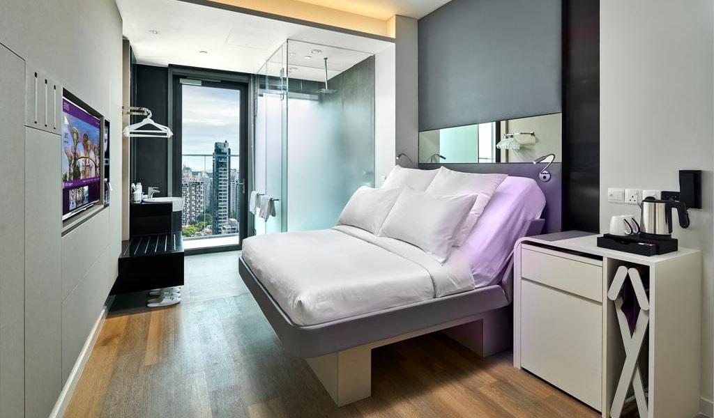 Premium Queen View with Balcony-min