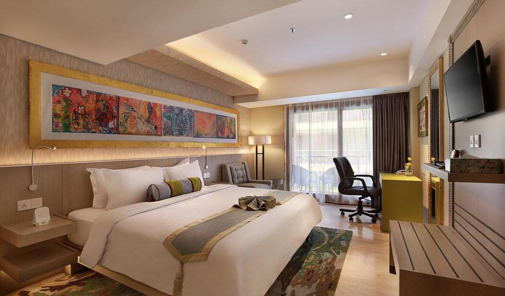 Premium Room with Balcony 2-min