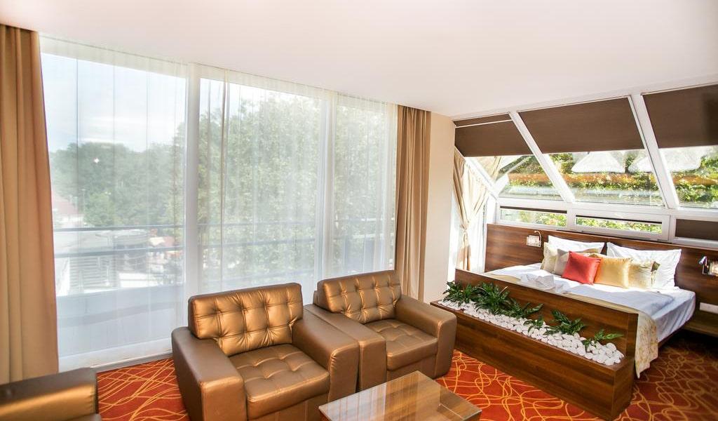 Presidential Suite-min