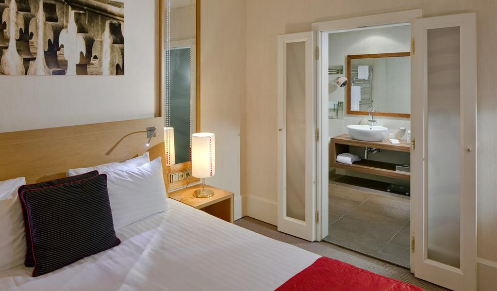 Riverside Suite2-min