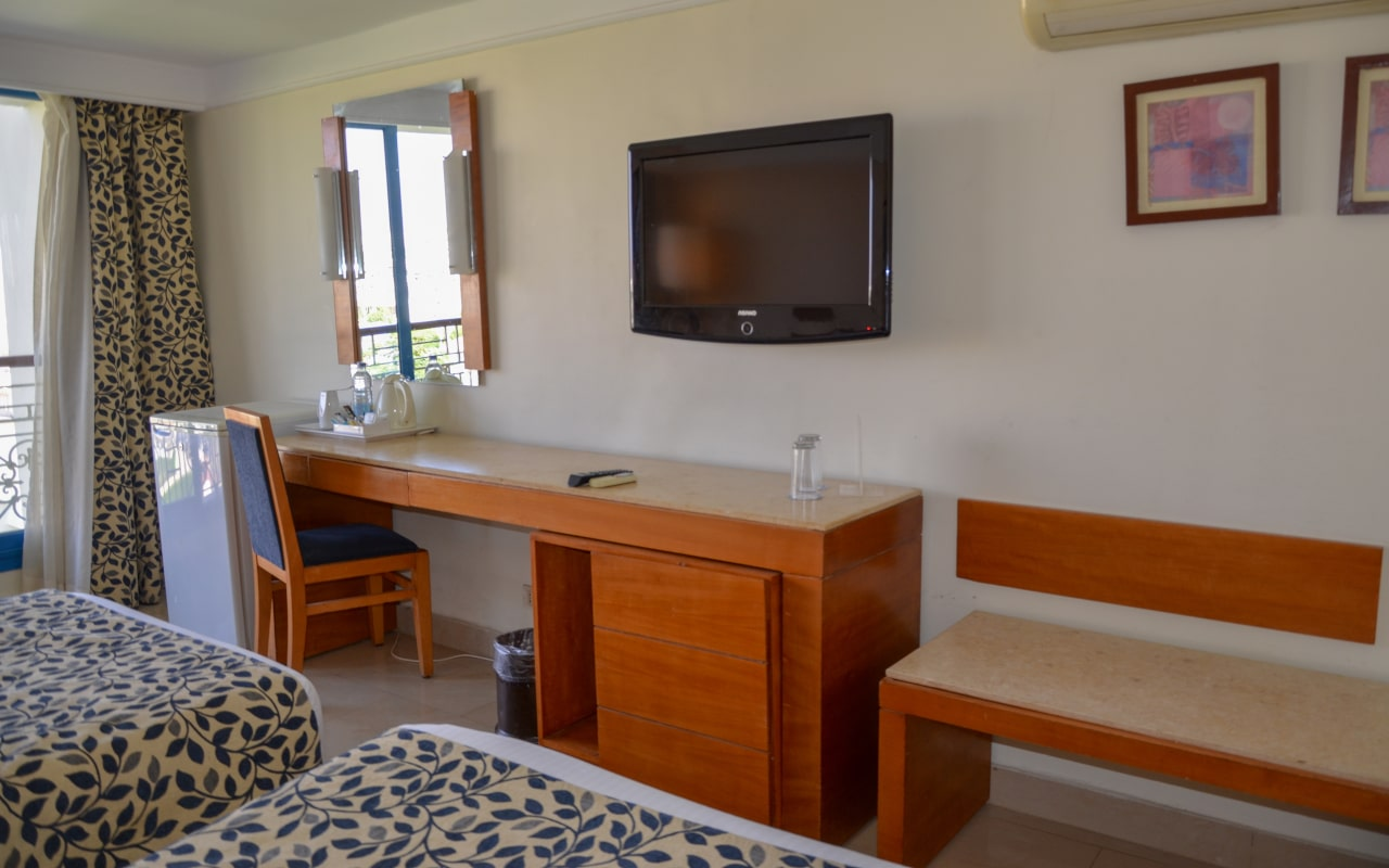 Standard Sea View Room site_02-min