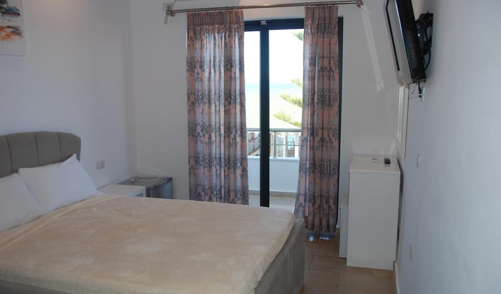 Standard Twin Room with Sea View 5-min