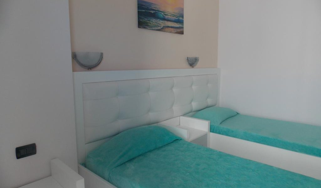 Standard Twin Room with Sea View 6-min