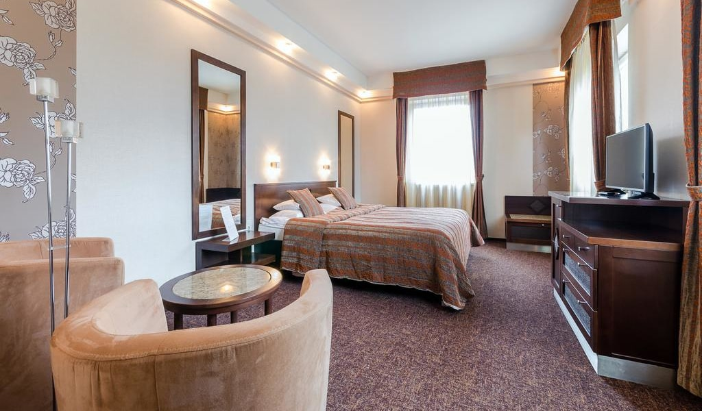 Suite with Terrace -min