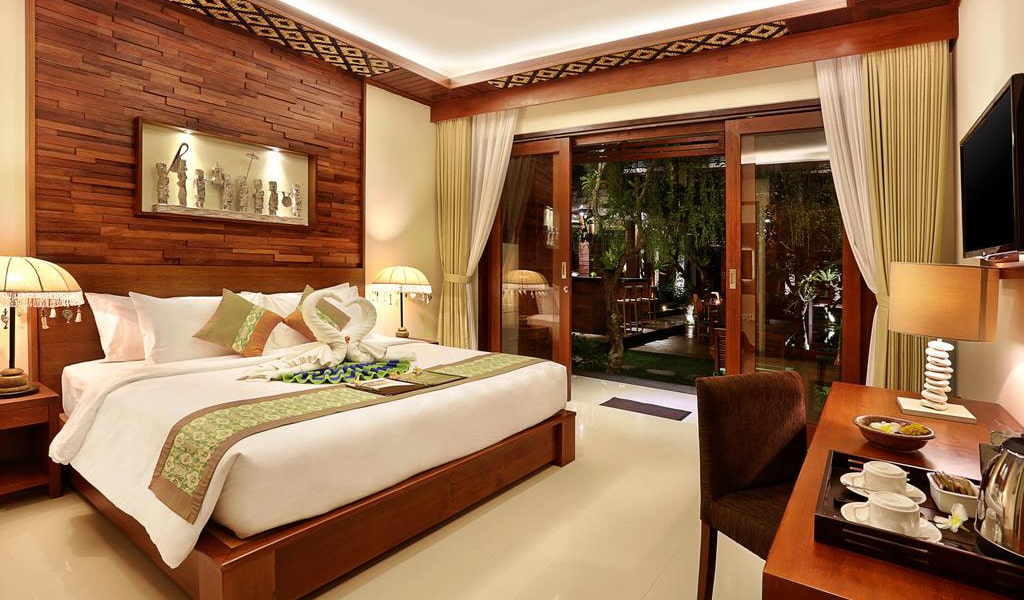 Super Deluxe Double Room with Pool View 6-min