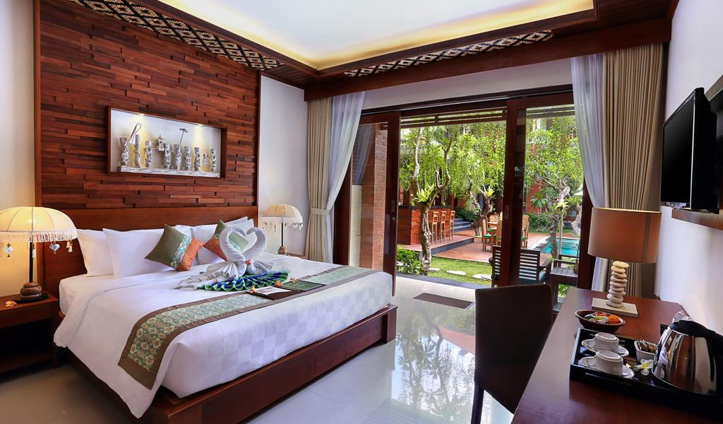 Super Deluxe Double Room with Pool View3-min