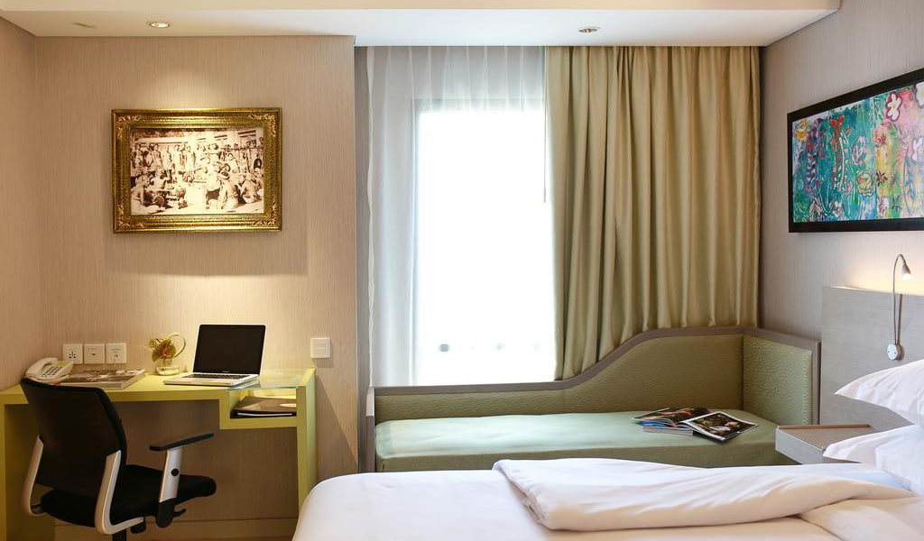 Superior Plus Twin Room 5-min