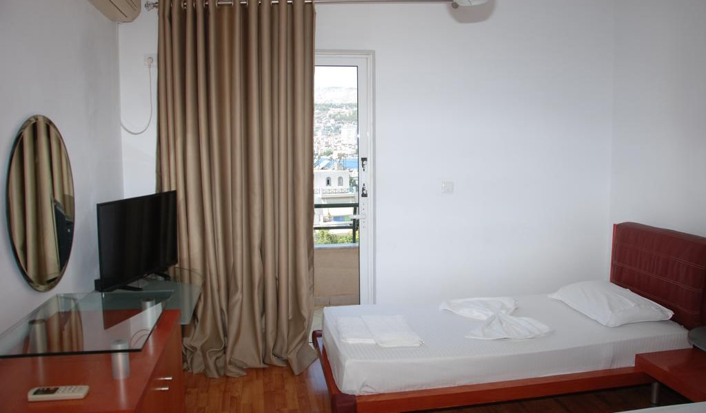 Twin Room with Sea View and Balcony 3-min