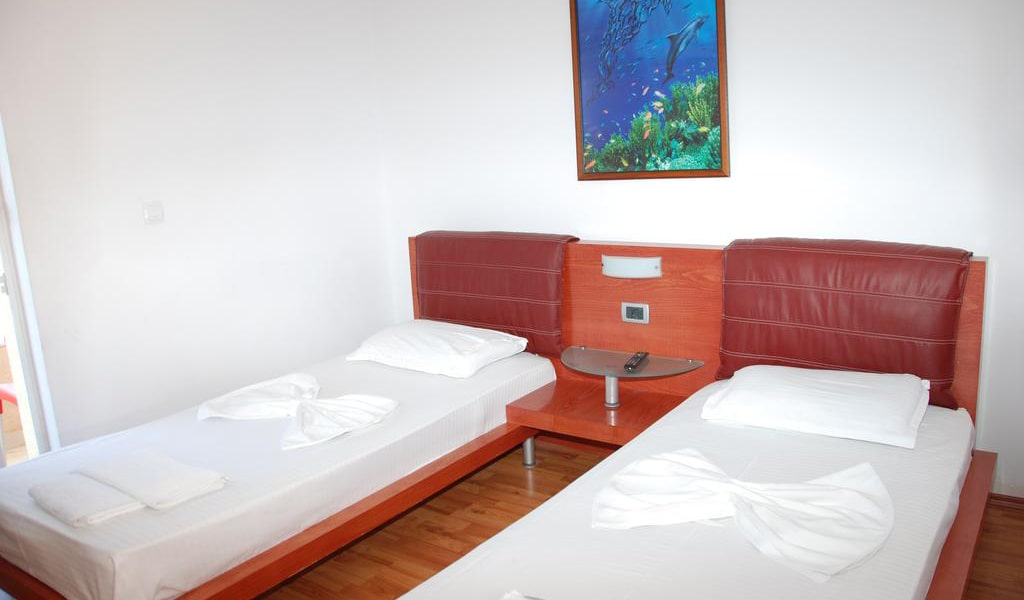 Twin Room with Sea View and Balcony-min