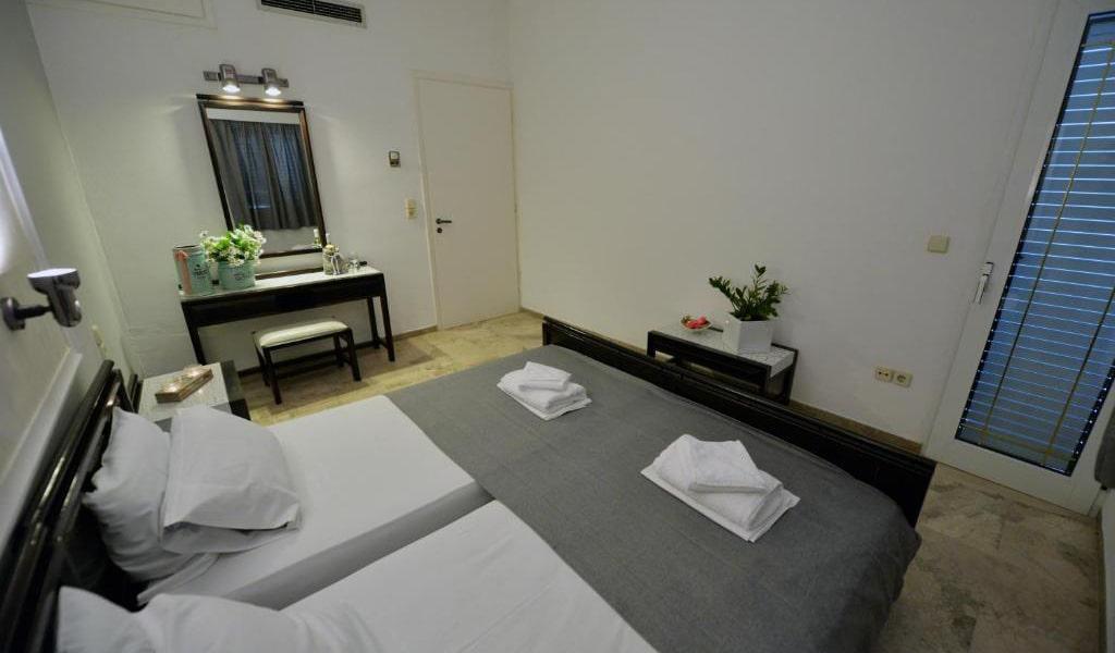 Twin Room4-min