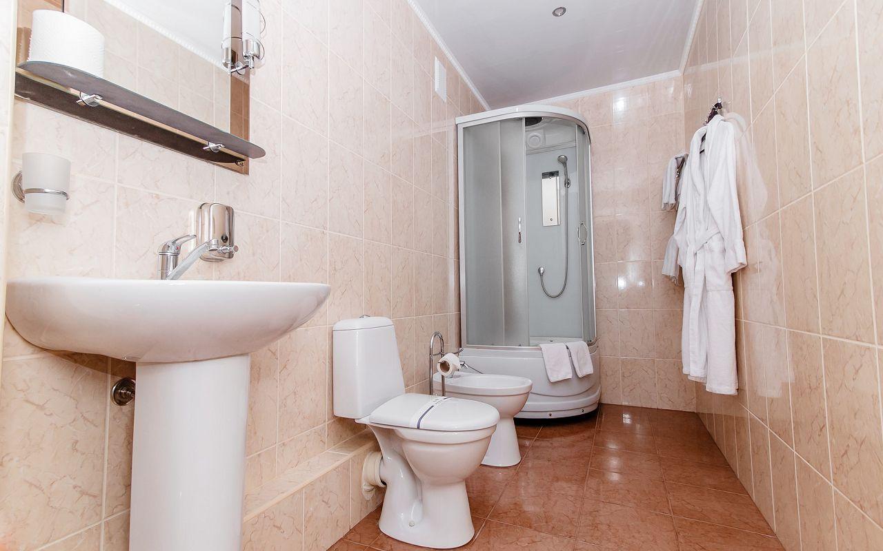 hotel_ukraine-half_2-4