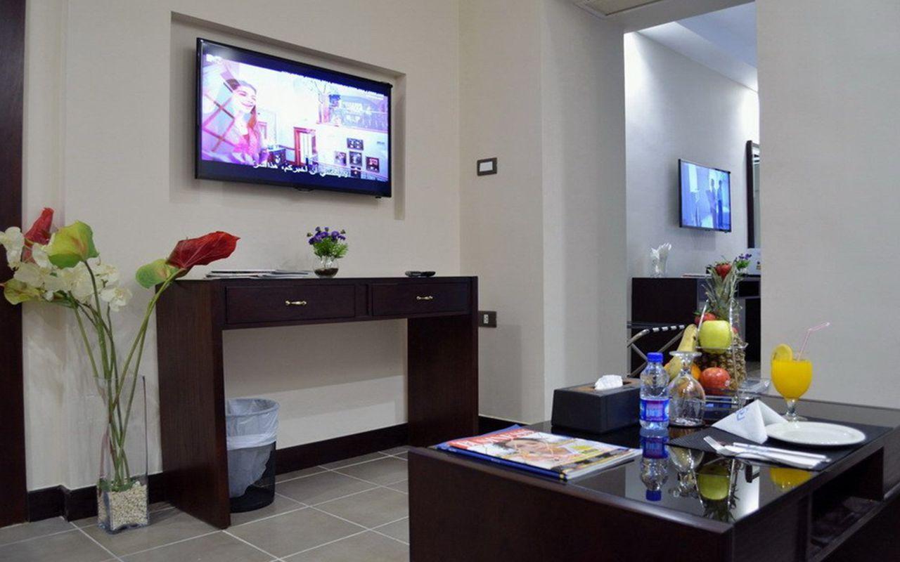 junior_suite_living_room