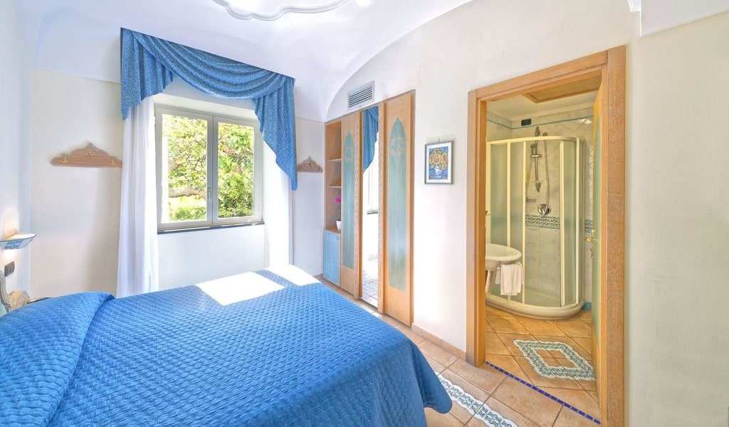 Classic Double Room with Sea View 2-min