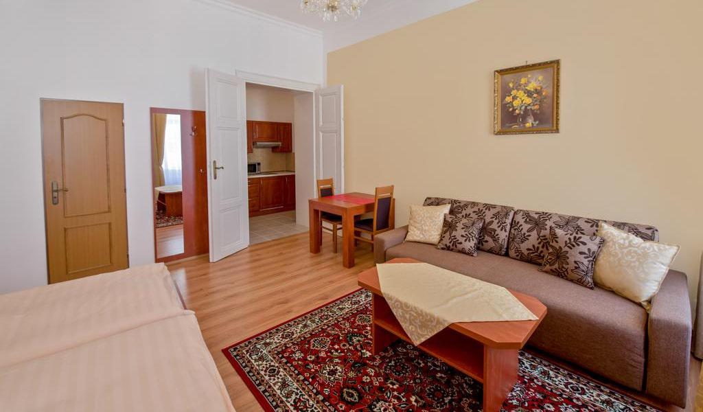 Deluxe Apartment-min