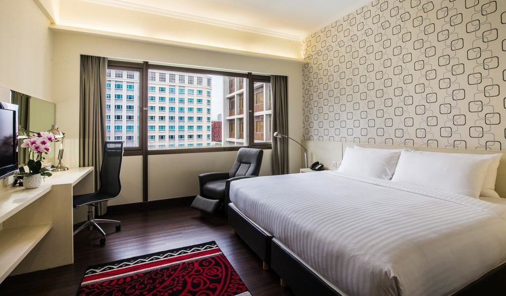 Deluxe Double or Twin Room 1-min