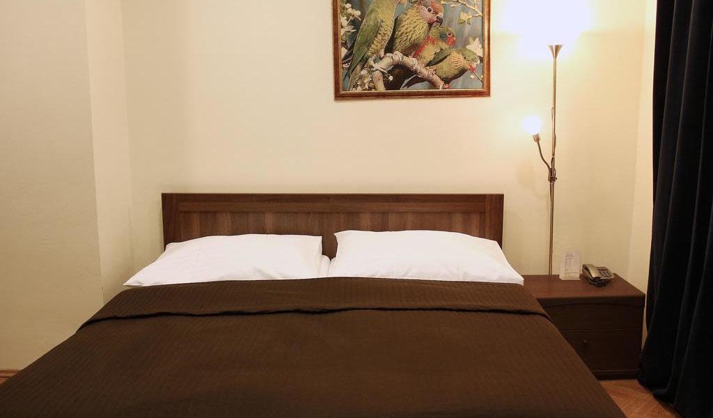 Double Room 4-min