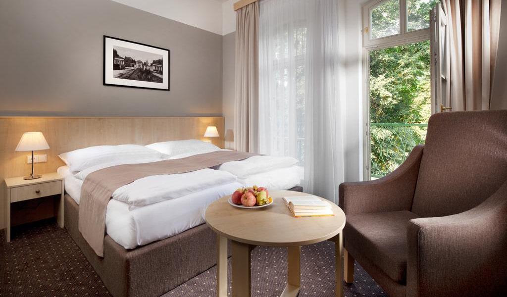 Double Room with Balcony 2-min