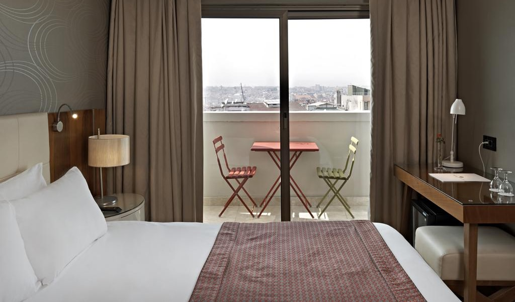 Double or Twin Room with Balcony 2-min