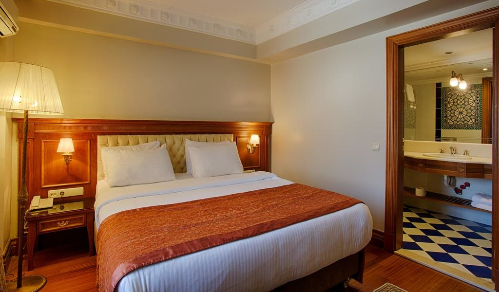 Economy Double or Twin Room 3-min