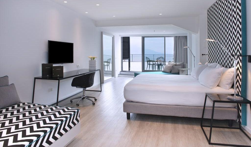 Executive Quadruple Room with Sea View 1-min