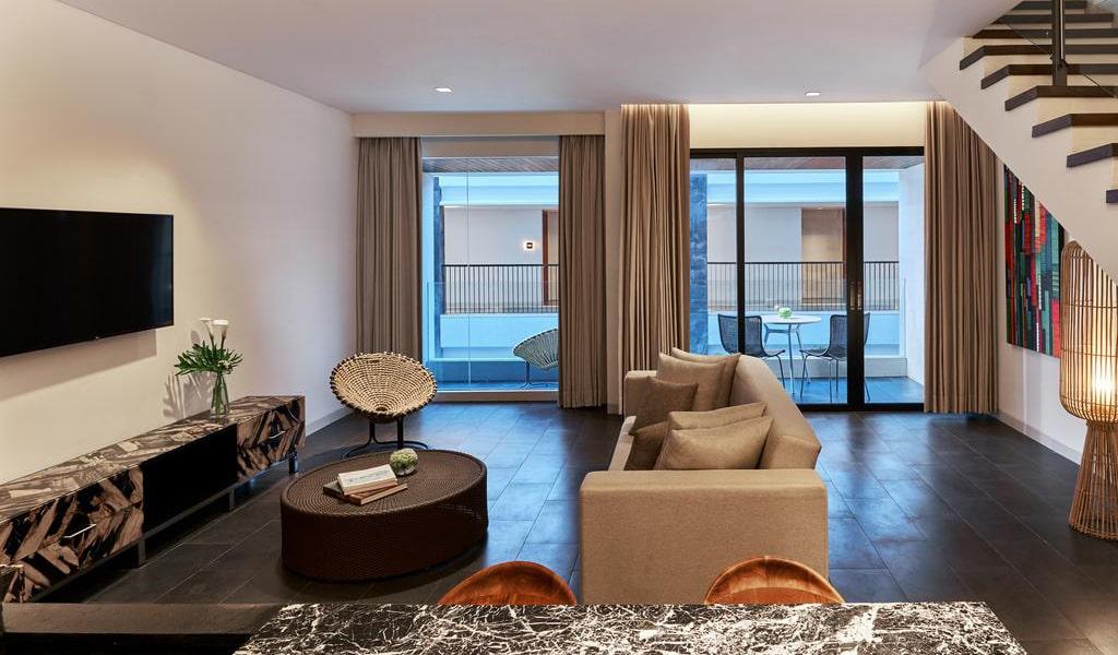 Family Loft Suite with Balcony 5-min