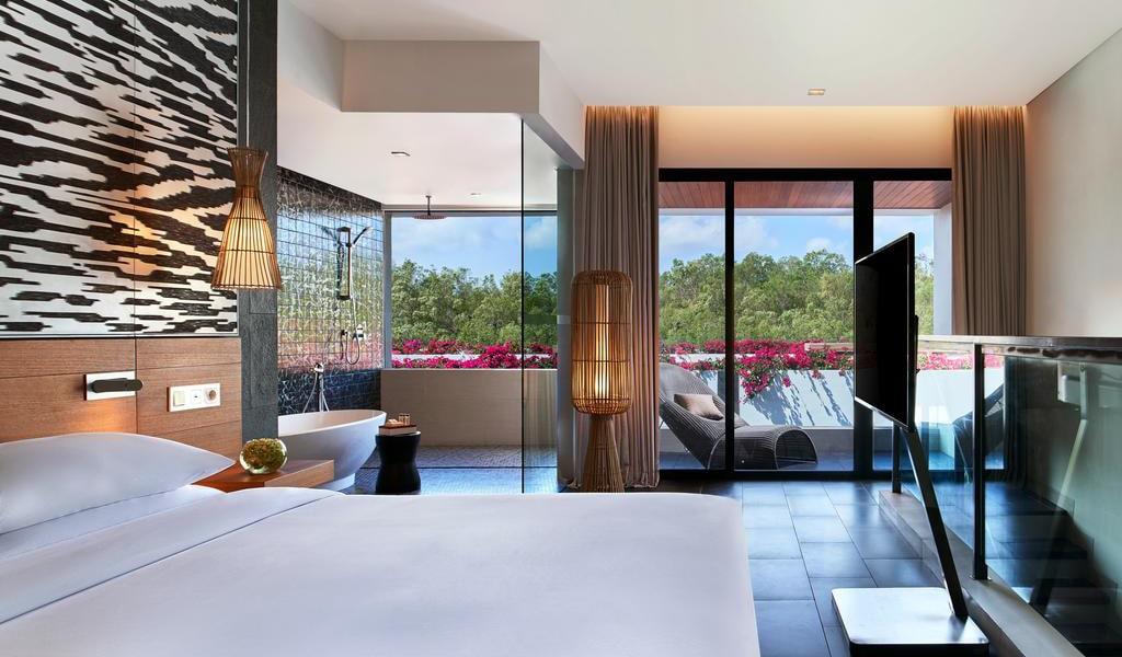 Family Loft Suite with Balcony-min
