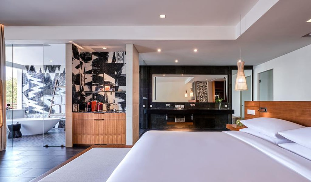 Family Loft Suite with Spa Bath 2-min