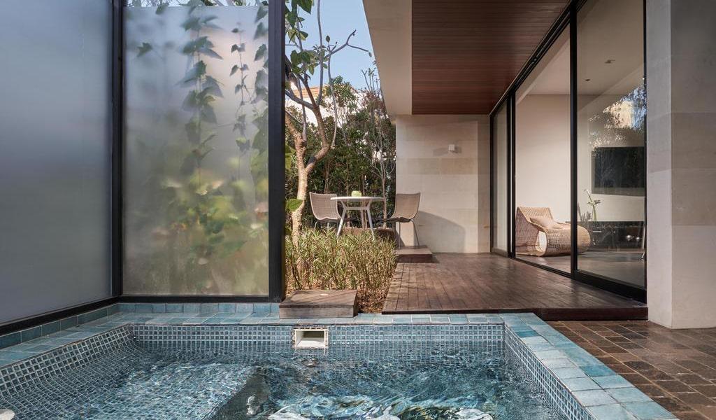 Family Loft Suite with Spa Bath 3-min