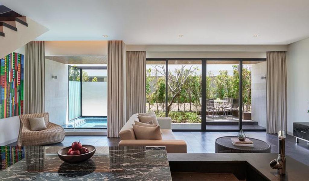 Family Loft Suite with Spa Bath 5-min