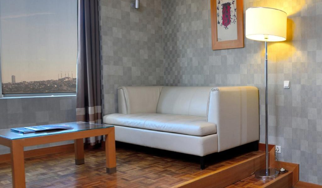 Family Room with Bosphorus View 2-min