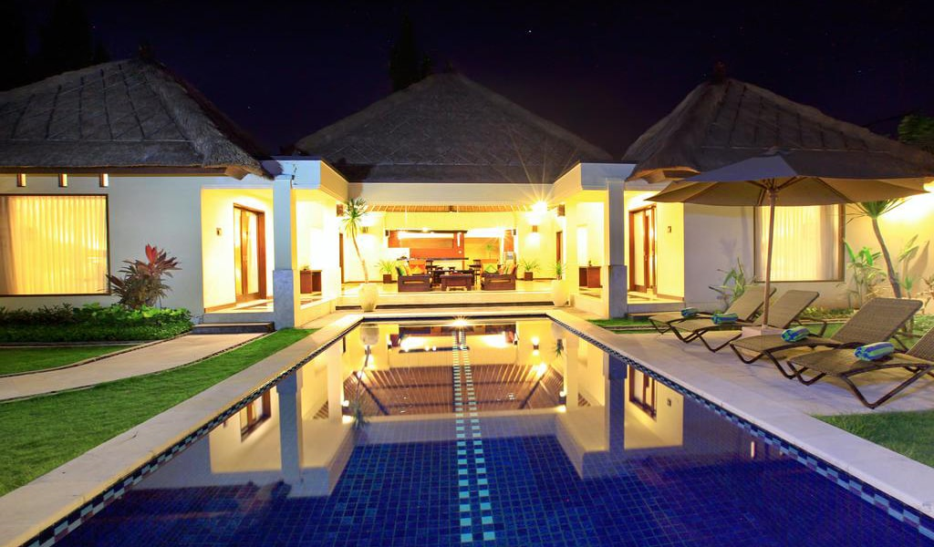 Four-Bedroom Villa with Private Pool-min